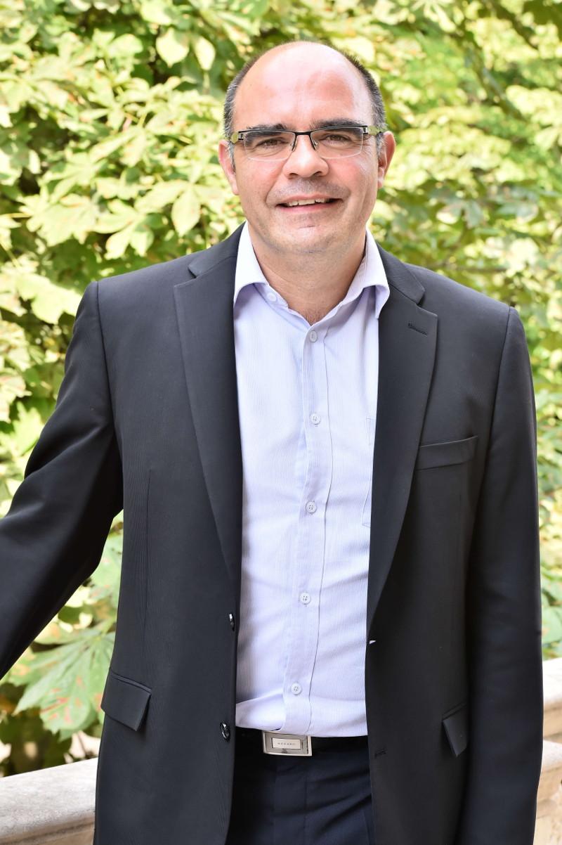 M. Frédéric SOUMET - Directeur des Ventes Laboratoire